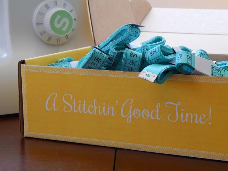 A Stitchin' Good Time with CMYfabriK Box!!